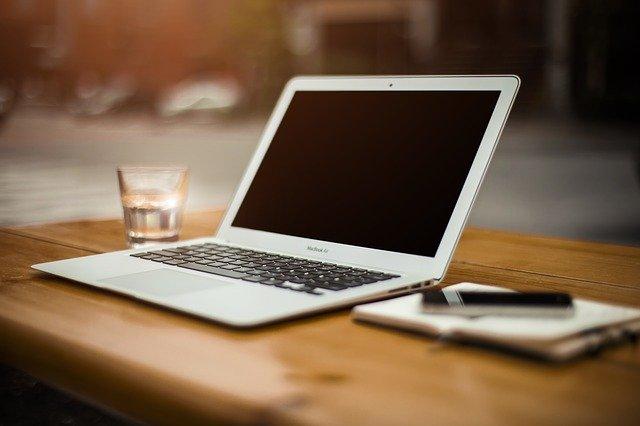 czy warto kupić macbooka